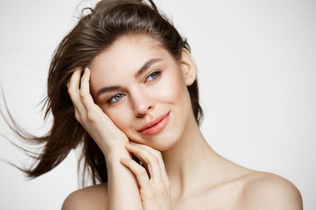 Tratar a tiempo la piel apagada con cosmeticos adecuados