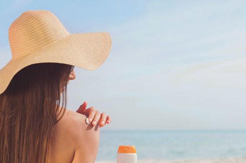 Como proteger la piel para evitar manchas solares
